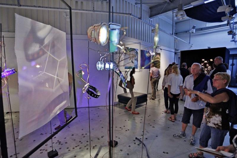 Vernissage - Ausstellung im WMF Kunstkabinett - Przemek Zajfert - Vermessung der Zeit, Foto: Markus Sontheimer