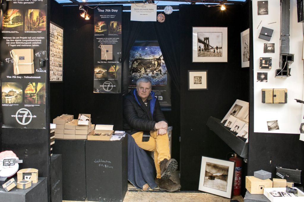 Przemek Zajfert, street artist, camera obscura