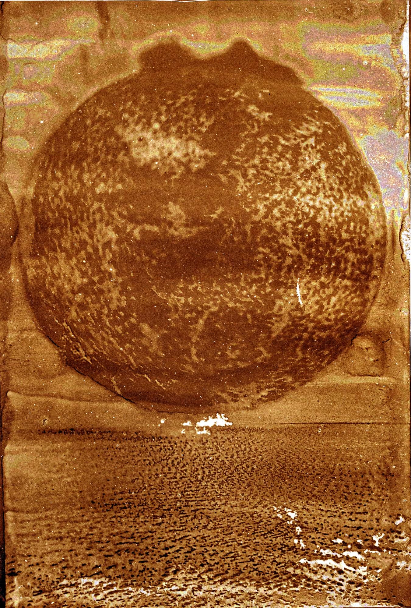 Heliographie, The Sun, 2019 20x27cm (Passepartout 50x70cm) Metal Plate, Lavender Oil, Bitume de Judée